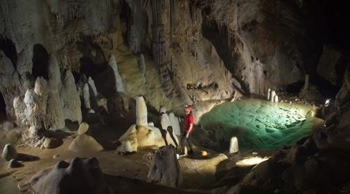 Extreme Cave-Dwelling Bacteria Found to Be Resistant to Antibiotics