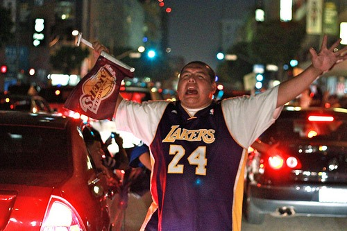 YEA LAKERS! I'm So Happy, I Think I'm Gonna Smash Sh*t