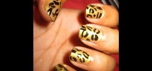 Paint cheetah print nails