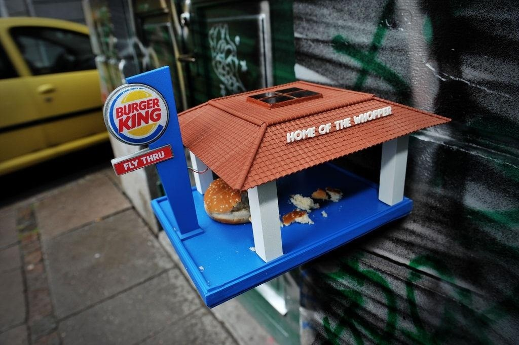 "This DIY Burger King ""Fly-Thru"" Dishes Out Fast Food for the Birds"