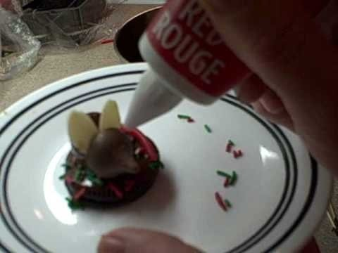 Make holiday hershey's kiss chocolate mice cookies