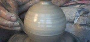 Throwa small bud vase