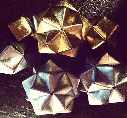 Silver & Gold: DIY Modular Origami Christmas Ornaments