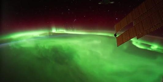 Auroras Underfoot: Watch Amazing Orbital Video of Geomagnetic Storms in Earth's Atmosphere