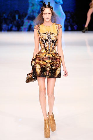 Alexander McQueen's Final Collection Is Strikingly Sci-Fi