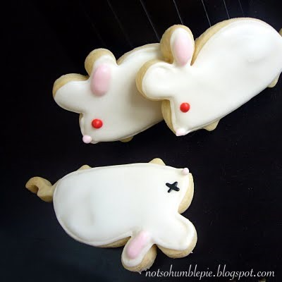 Holiday Cookies: Lab Mice, Chocolate Atoms & Gingerbread Scientists
