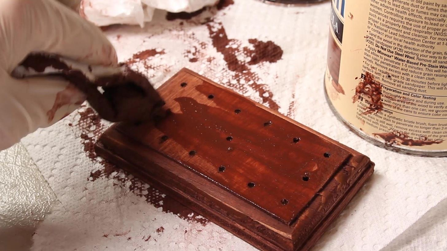 How Do You Balance 14 Nails on a Single Nailhead? Find Out with This DIY Gravity Puzzle