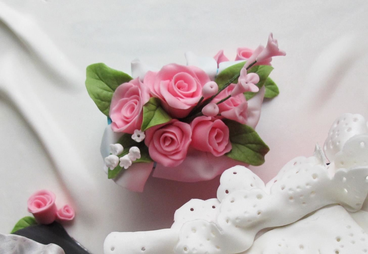 How to make quick and easy fondant roses and filler flowers no forum thread how to make quick and easy fondant roses and filler flowers no cutters mightylinksfo