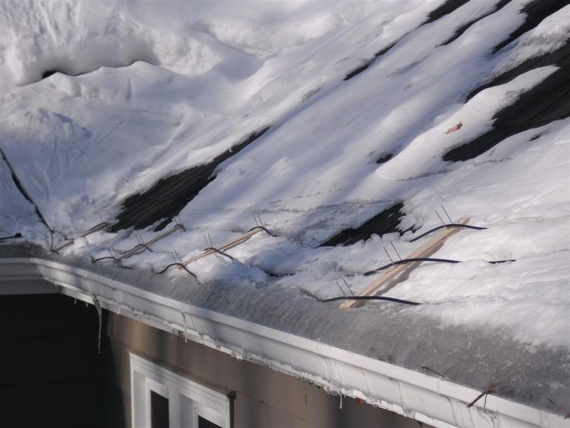How To De Ice Your Gutters The Secrets Of Ice Dam Removal