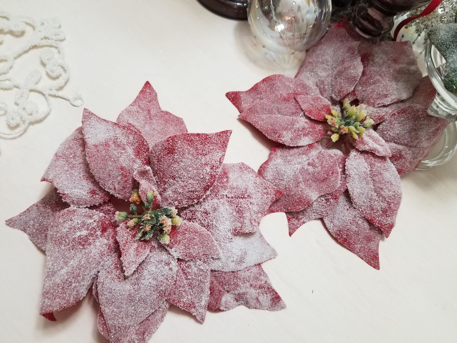 HOW to SPRUCE UP YOUR CHRISTMAS ORNAMENTS with GLITTER