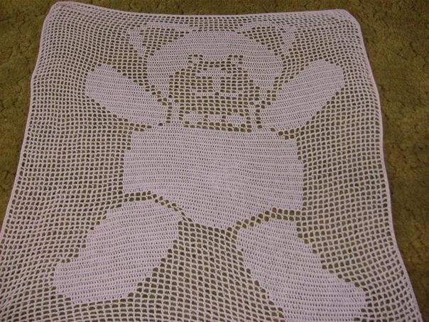 here is my fillet crochet bed cover for my little girl