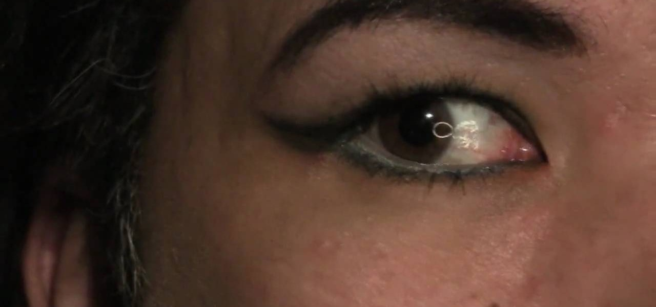 How to Apply visible liner on heavily hooded eyes « Makeup