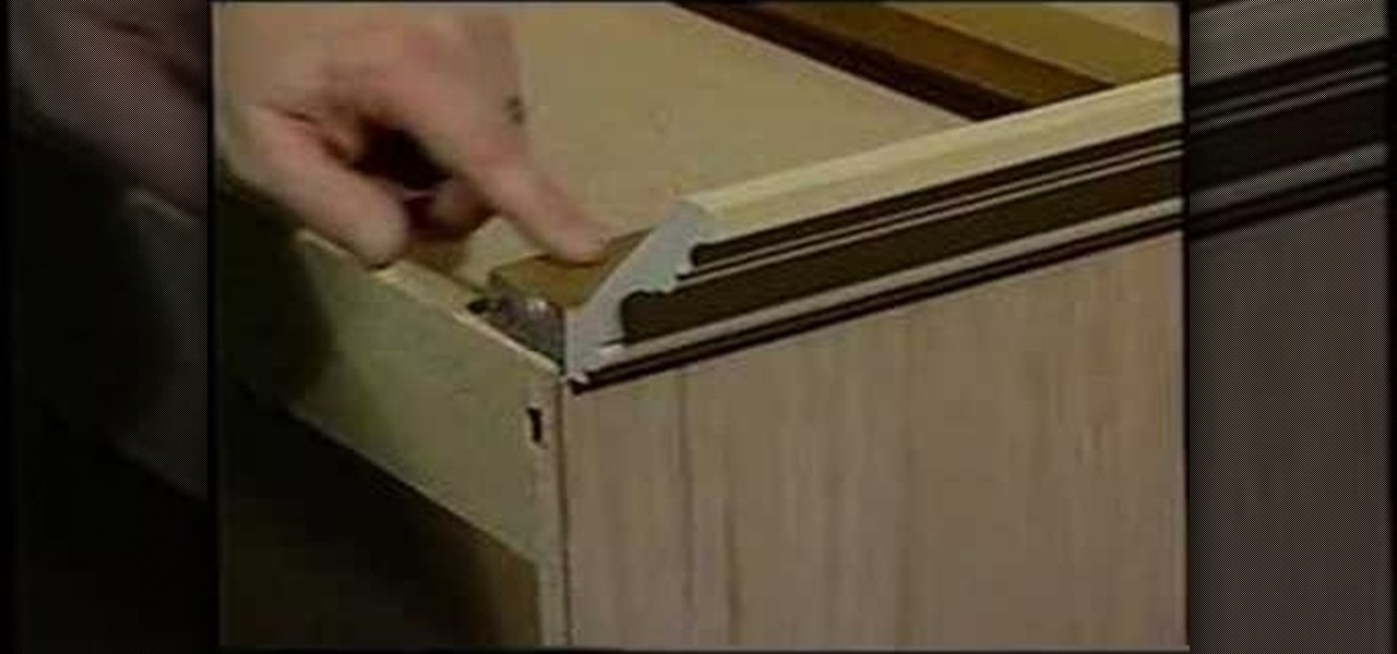 How to install crown molding on your cabinets for Attaching crown molding to kitchen cabinets