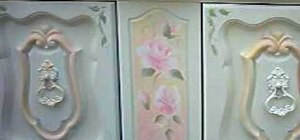 Paint a vintage shabby rose on your furniture