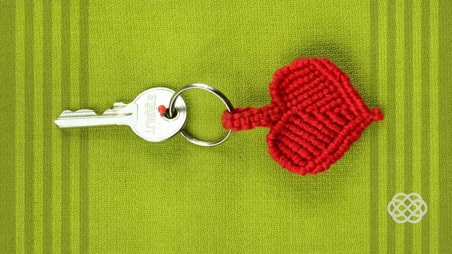How to Make a Macrame Heart / DIY