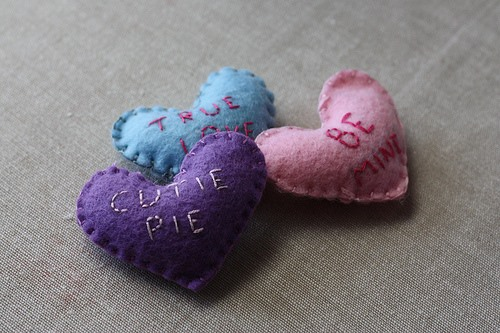 HowTo: Felt Conversation Hearts