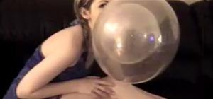 YouTube's Hottest Bubblegum Blowers