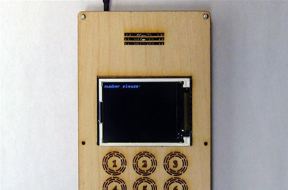 This Wooden DIY Cell Phone Is Way Cooler Than Any Shiny Smartphone