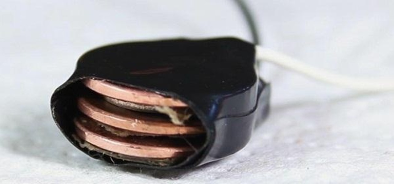 Turn Your Spare Pocket Change into DIY Batteries with This Penny Power Hack