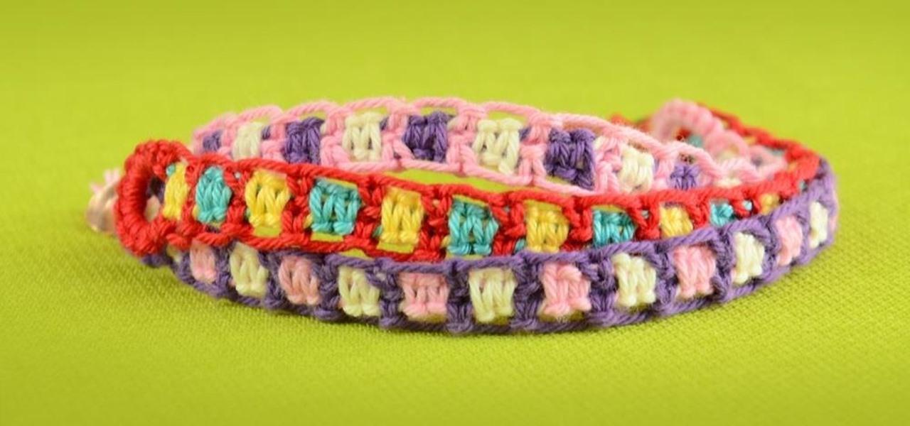 make easy friendship bracelets using square knot jewelry. Black Bedroom Furniture Sets. Home Design Ideas