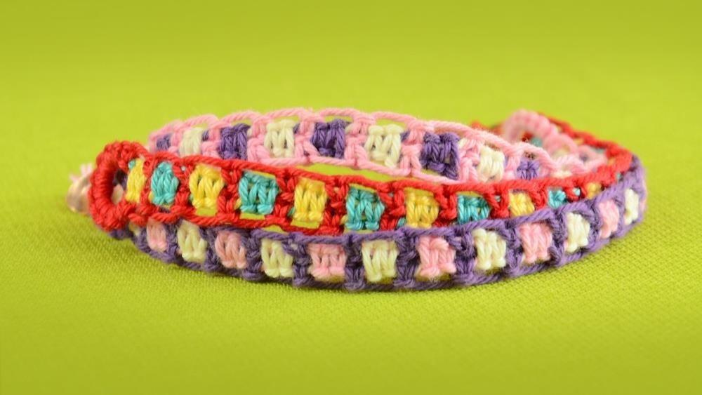 Make Easy Friendship Bracelets Using Square Knot