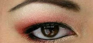 Create red and gold eye shadow look