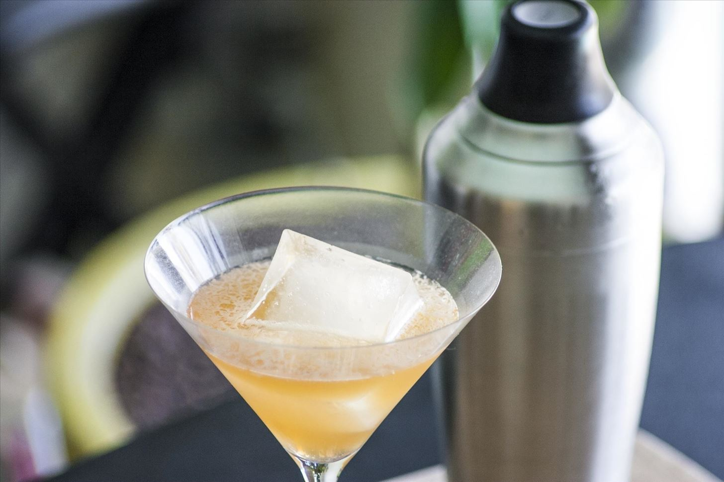 How to Make Smoked Ice for One-of-a-Kind Cocktails