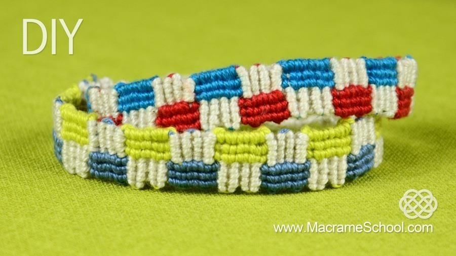 How to Make a Macrame Bracelet with Squares