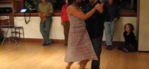 Perform the organic gancho in Tango