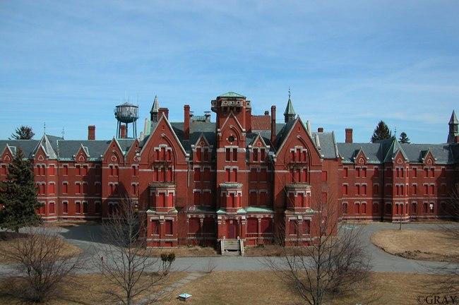 Danvers State Insane Asylum in Massachusetts = Luxury Living