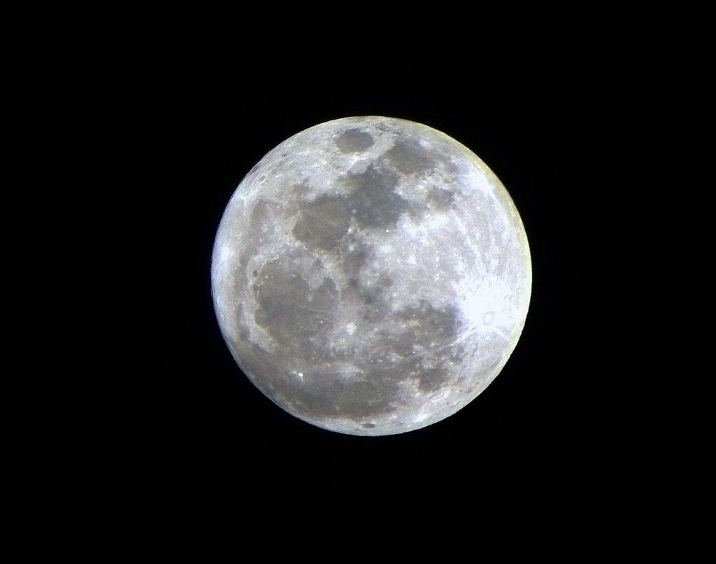 Don't Miss Tonight's Super Perigee Full Moon!