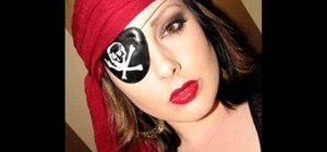 Apply sexy pirate makeup for Halloween