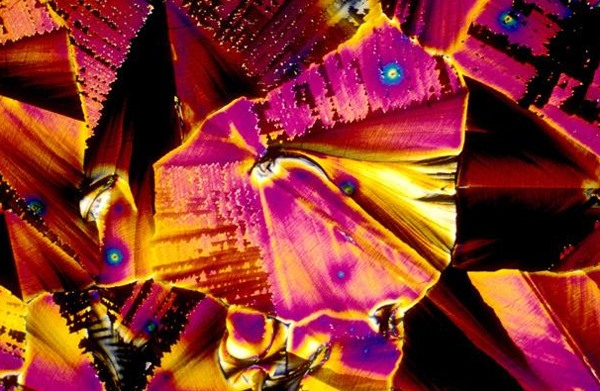 Booze Explosions Create Microscopic Rainbows