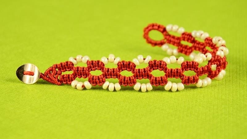 Easy Square Knot Bracelet Tutorial