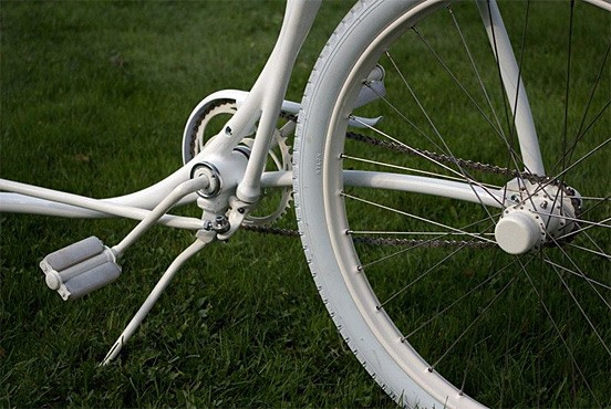 The Invisible-Steering Bicycle