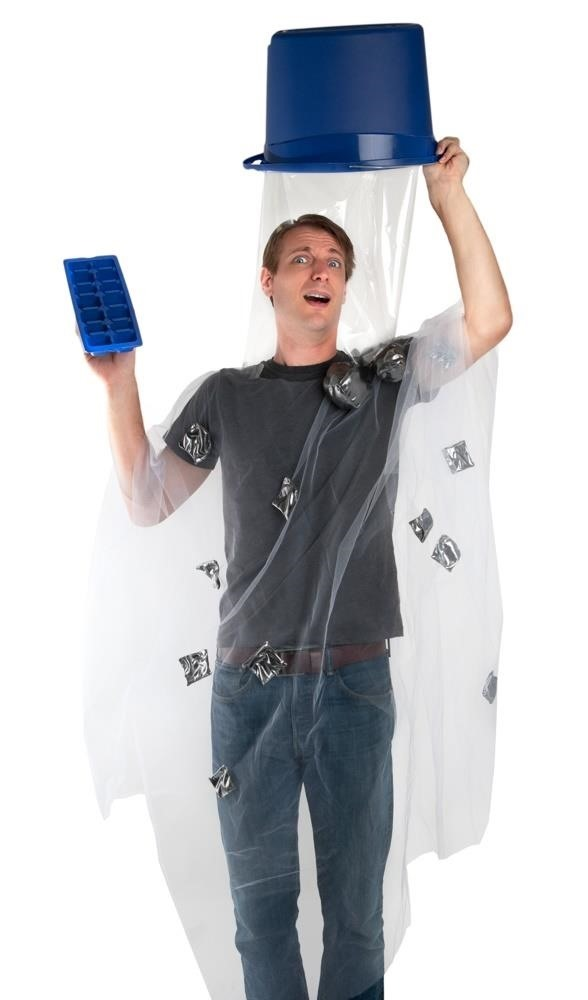 How to Make a Cheap Ice Bucket Challenge Costume for Halloween