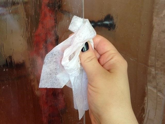 Use Dryer Sheets to Clean Soap Scum Off Shower Doors