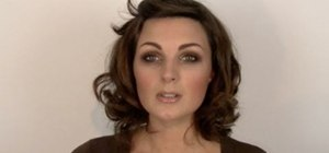Create simple and quick brown smoky eyes