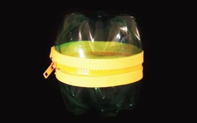 Bottles zippers cute diy pac man monster containers for Things to make with plastic bottles