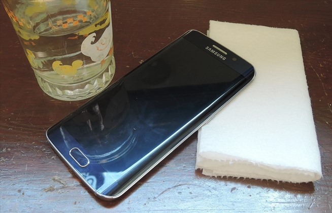 How to Properly Clean Your Smartphone or Tablet—Without ...