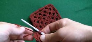 Make a crochet granny square for right handers