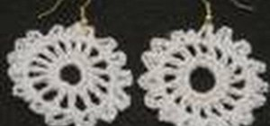 Make doily-shaped crochet earrings for left handers