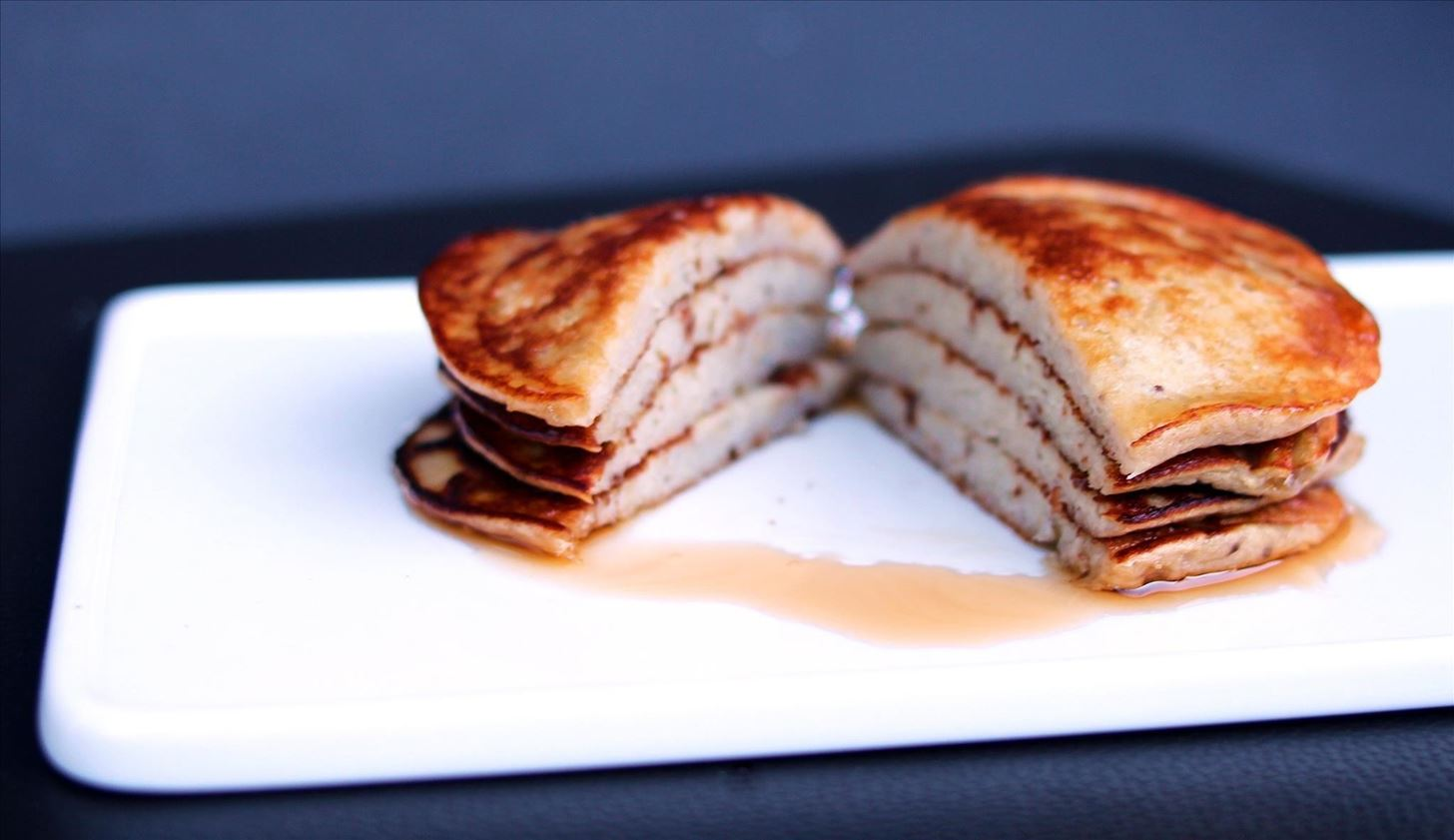 How to Make 2-Ingredient Pancakes That Are High Protein, Low-Carb & Gluten-Free