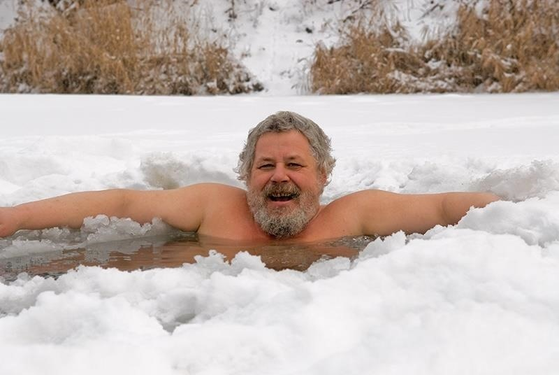 5 Things Cold Baths & Showers Can Do for You That Hot Ones Can't