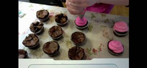 Bake yummy brownie cupcakes with Penny Lane