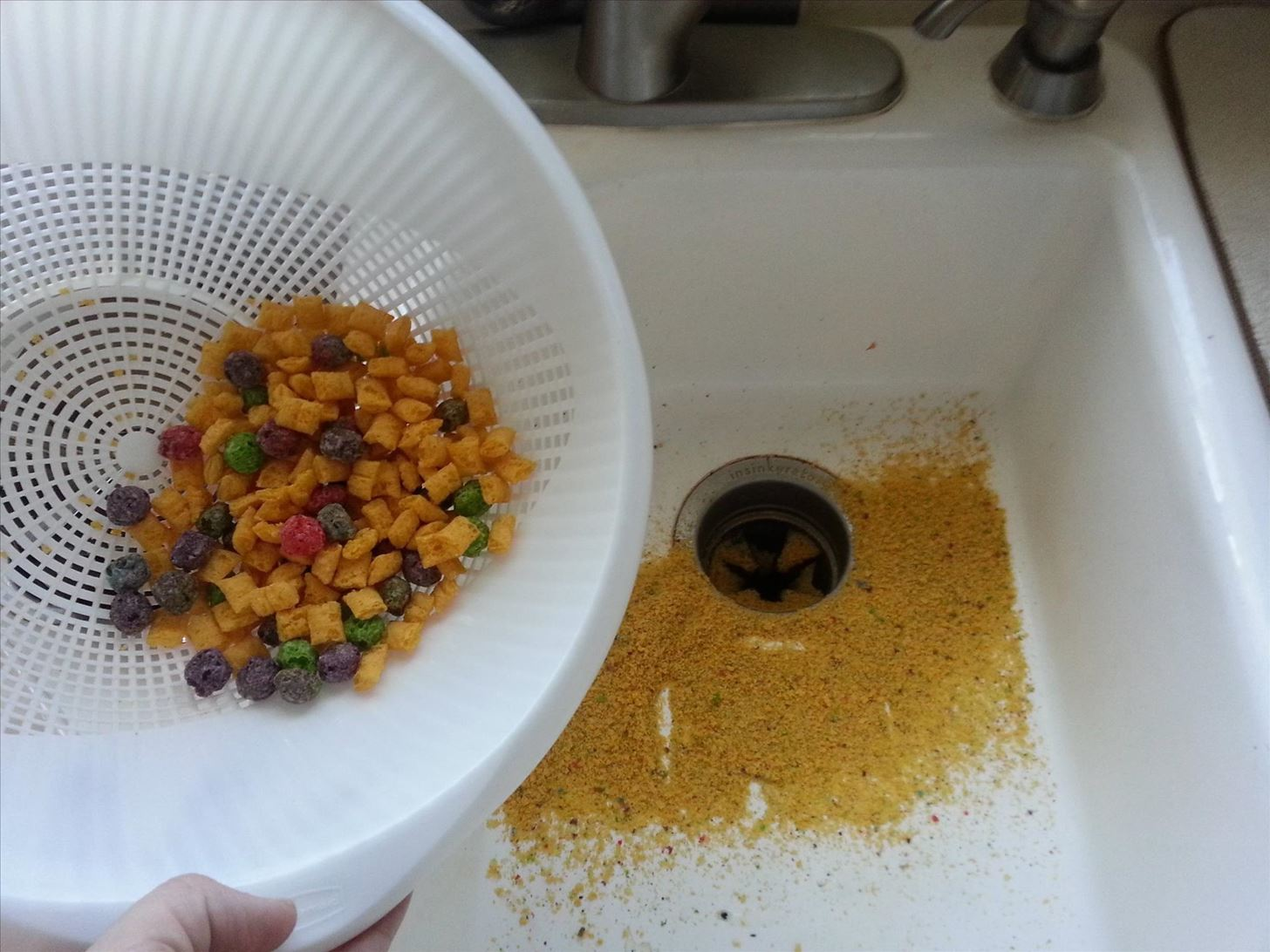 How to Keep Tiny Dust Crumbs Out of the Last Bowl of Cereal for More Crunch, Less Mush