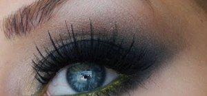Create a general sexy dramatic Halloween makeup look