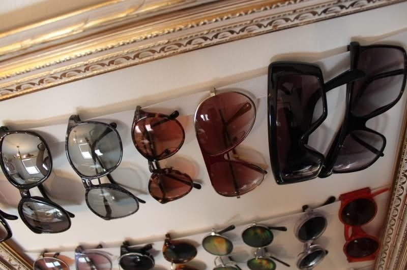 Number 1Sunglasses Frame Holder