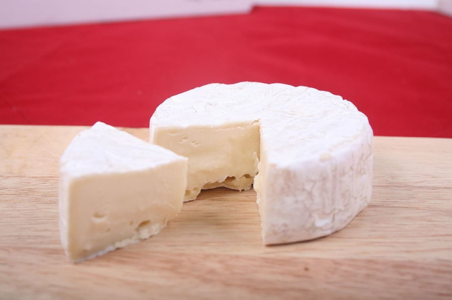 Tasty Testing: Artisanal Cheese Reveals Microbial Secrets of Deliciousness