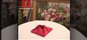 Fold a traditional napkin (Pliage classique)